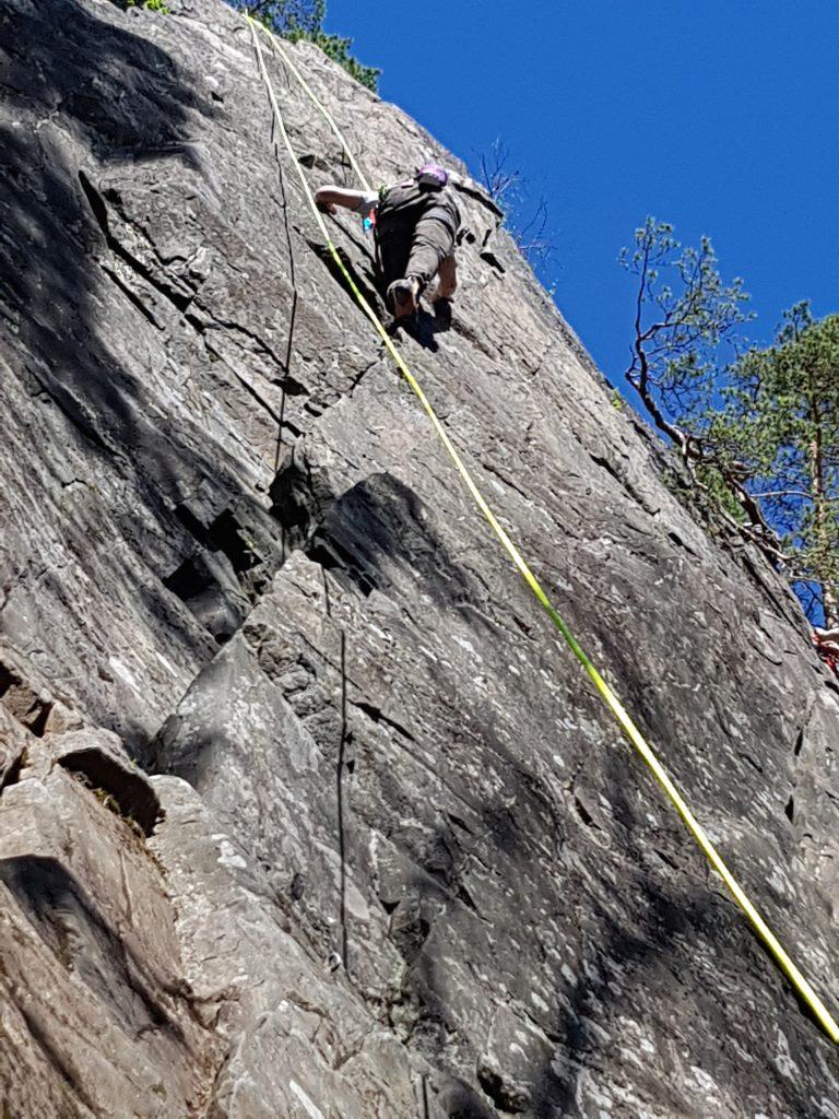 Kelo ja kallio Adventures kalliokiipeilyn peruskurssi Melon kalliolla 2020