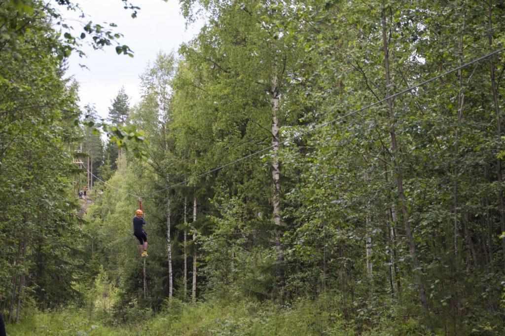 Kelo ja kallio Laavumaan 300-metrinen vaijeriliuku Teiskossa